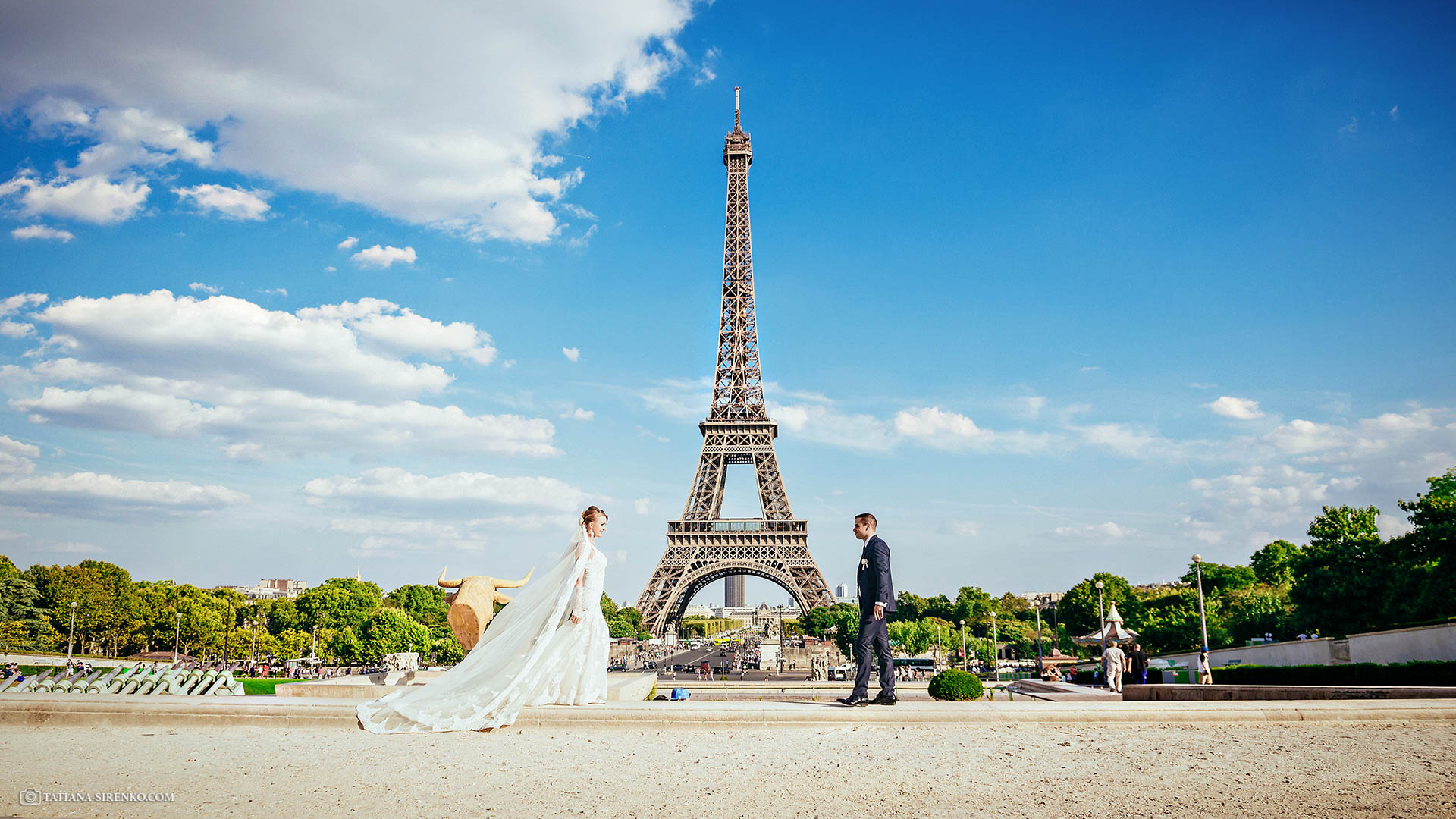 A wedding photo Paris