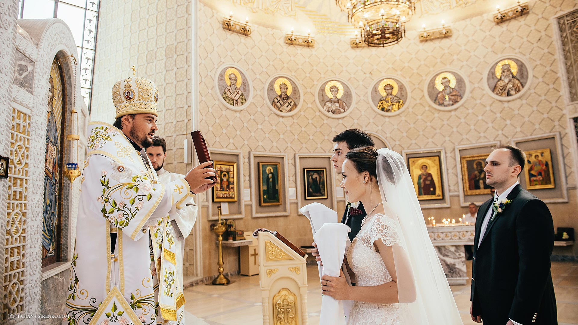 Заказать фотографа на венчание