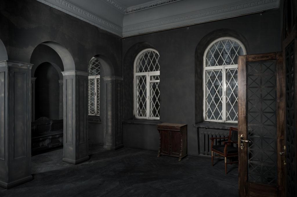 F11-studio-room-gothic-02-1024x682