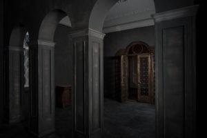 F11-studio-room-gothic-04-1024x682