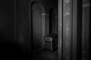 F11-studio-room-gothic-06-1024x682